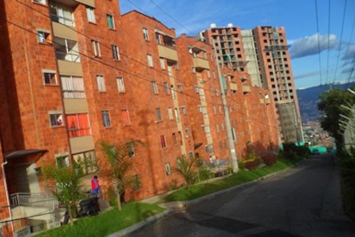 Venta ROBLEDO Apartamento